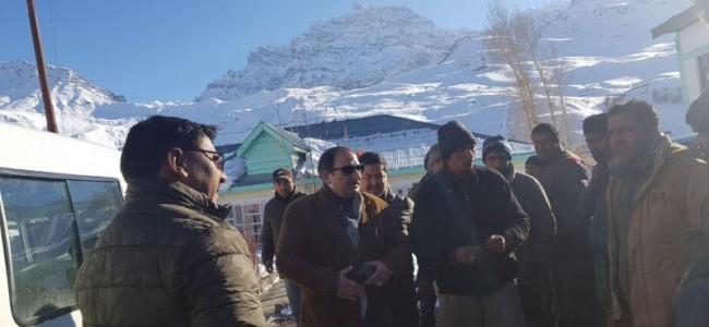 LAHDC Kargil Executive Councillors inspects Snow clearance at Zojilla