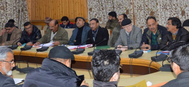 Div Com reviews parking issues of the city