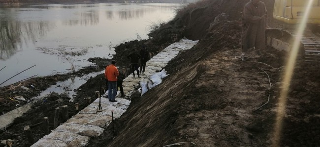 Caving in of embankment at Shivpora: After temporary measures, permanent restoration in progress