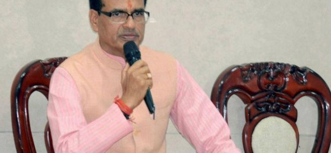 All liquor shops across MP to be shut down in phases: Chouhan
