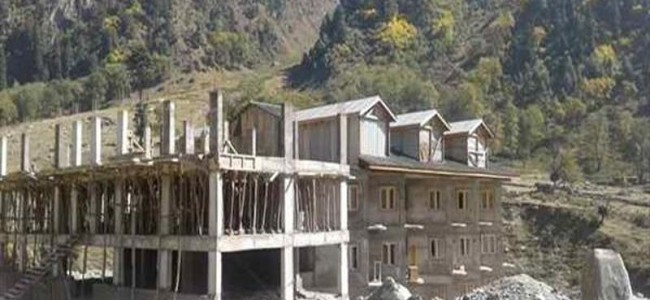 Illegal construction of hotels continue in meadows of Sonamarg, authorities unmoved
