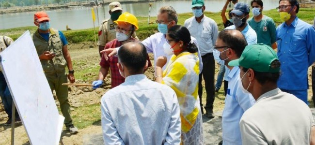 Commissioner Secretary Forests visits Bandipora; inspects Wular lake conservation, CAMPA works