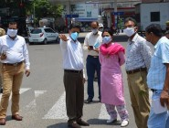 Div Com tours Jammu city, assesses development requirements at busy chowks