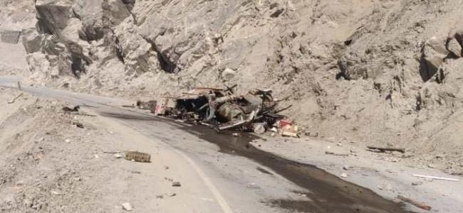 Conductor killed, driver injured as truck rolls down gorge on Srinagar-Leh highway