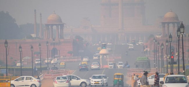 Marginal improvement in Delhi's air quality, stays in 'poor' category