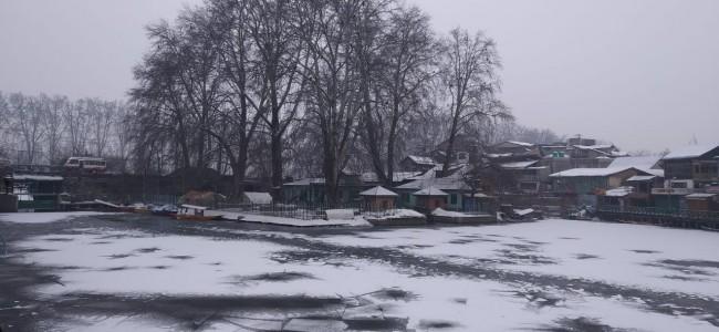 New white blanket on Monday morning in Srinagar