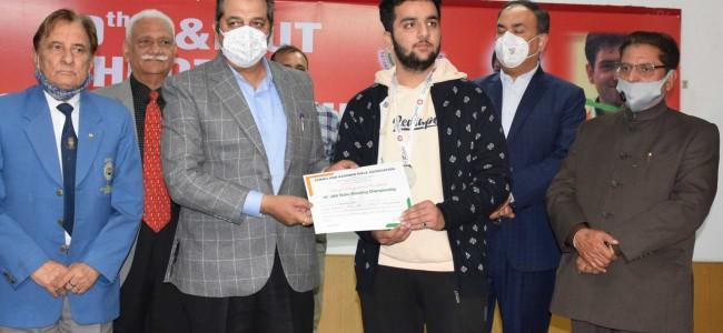 10th J&K UT Championship concludes; Advisor Baseer Khan distributes prizes