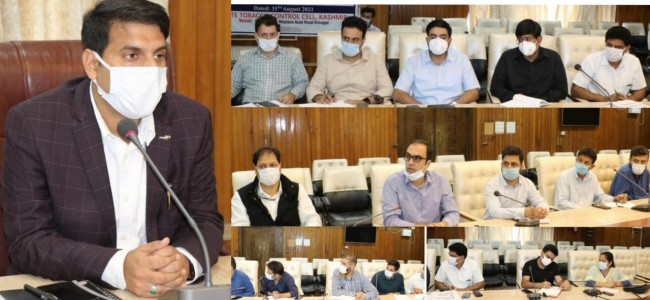 DC Srinagar reviews disposal of Grievances lodged by Migrants