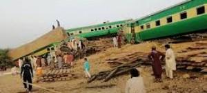 11 killed, 60 injured in Pakistan train collision